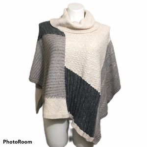 WHBM colorblock poncho sweater. Size XS